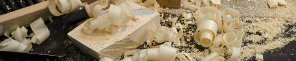 Holzkisten_Einwurfboxen