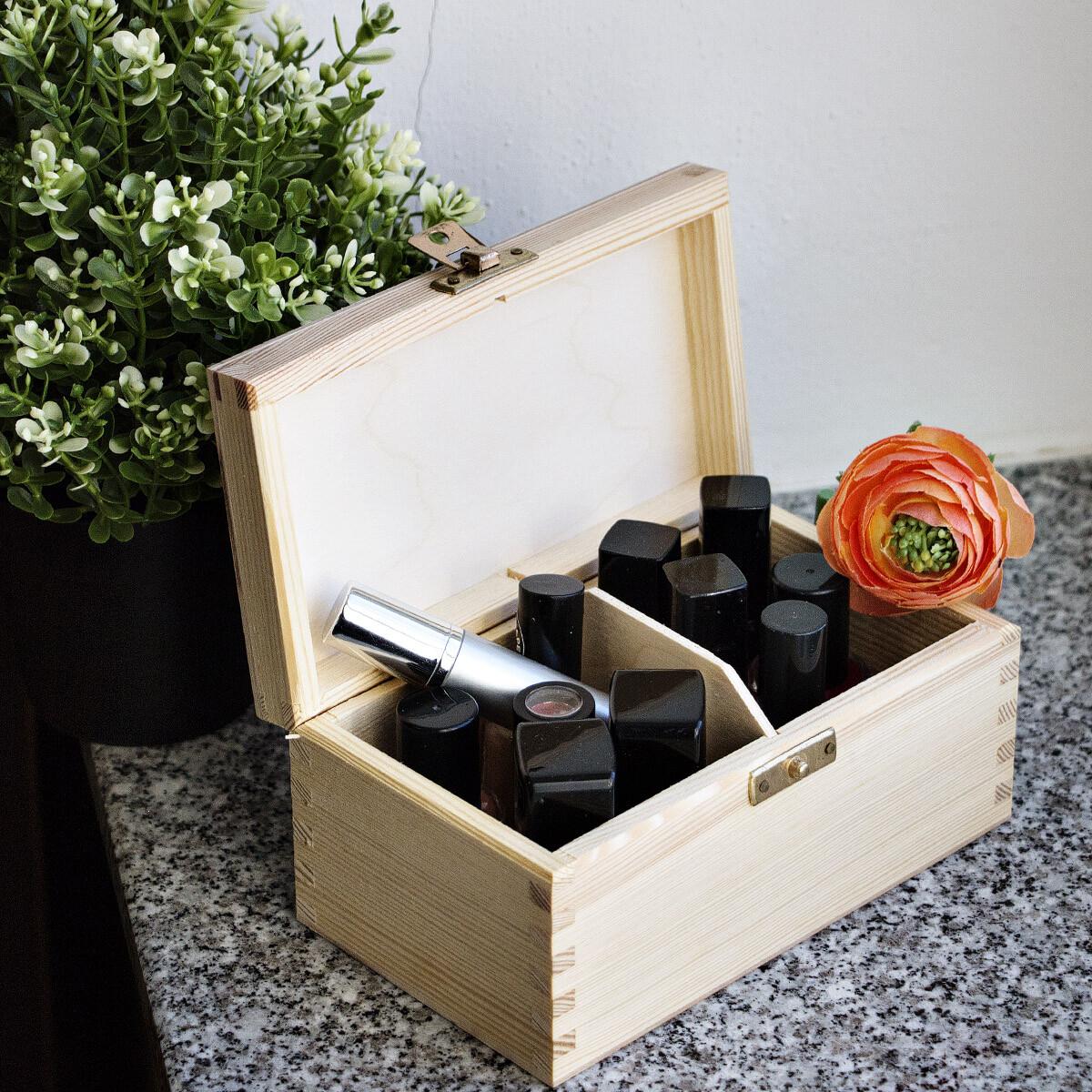 holzschatulle mit klappschloss aus messing mit 2 f cher. Black Bedroom Furniture Sets. Home Design Ideas