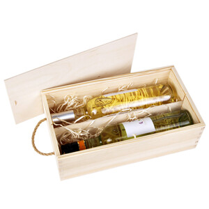 Wine box made of light wood suitable for 2 bottles