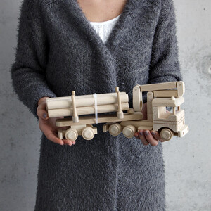 Wooden logging truck with hydraulic crane wooden lorry...