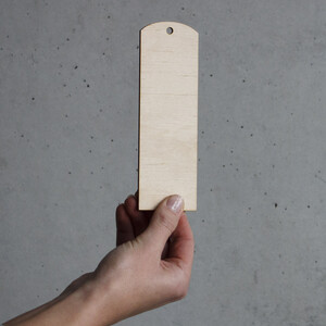 Straight bookmark wood 0,3 mm thick 15 x 5 cm side finder