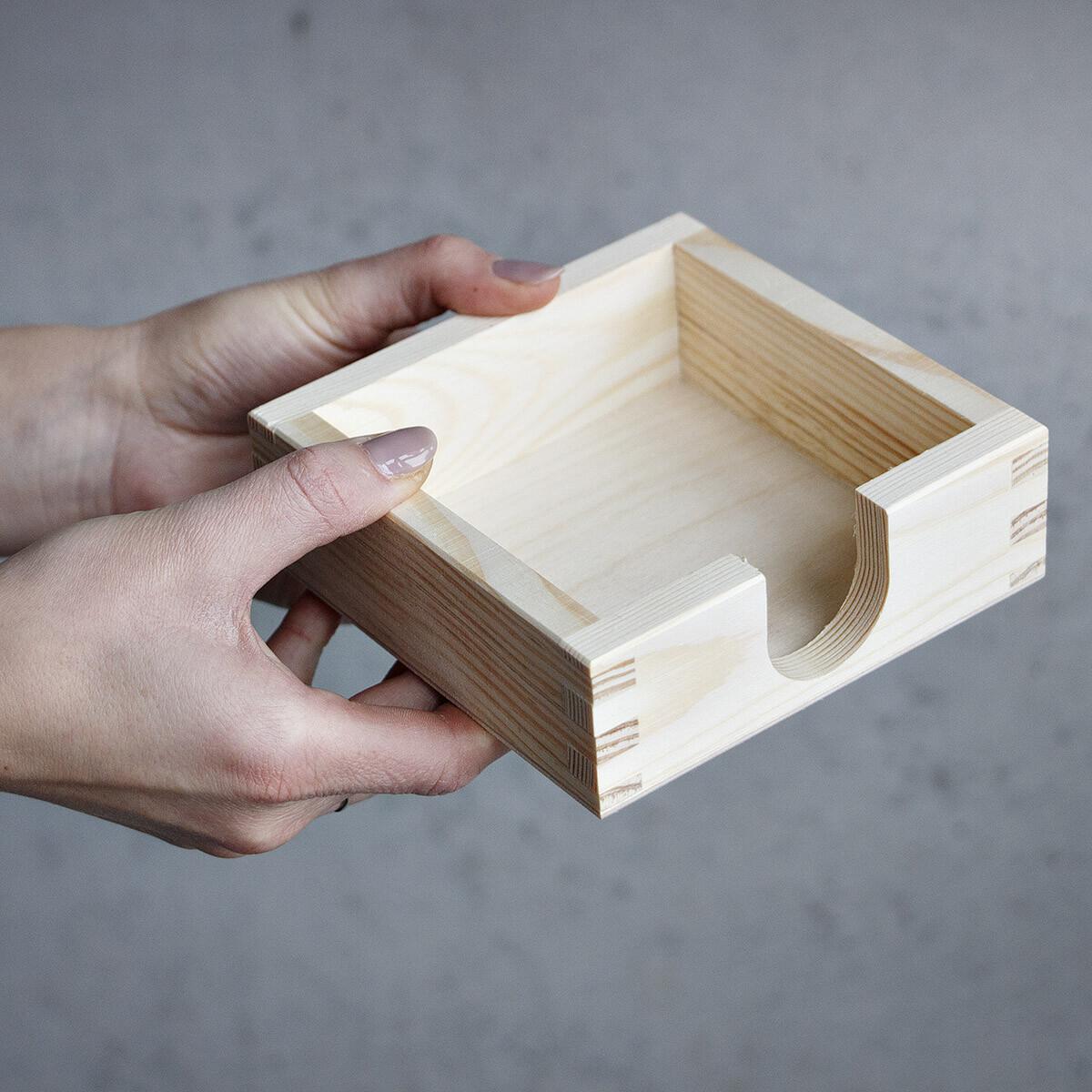 bierdeckelhalter f r quadratische bierdeckel holz. Black Bedroom Furniture Sets. Home Design Ideas